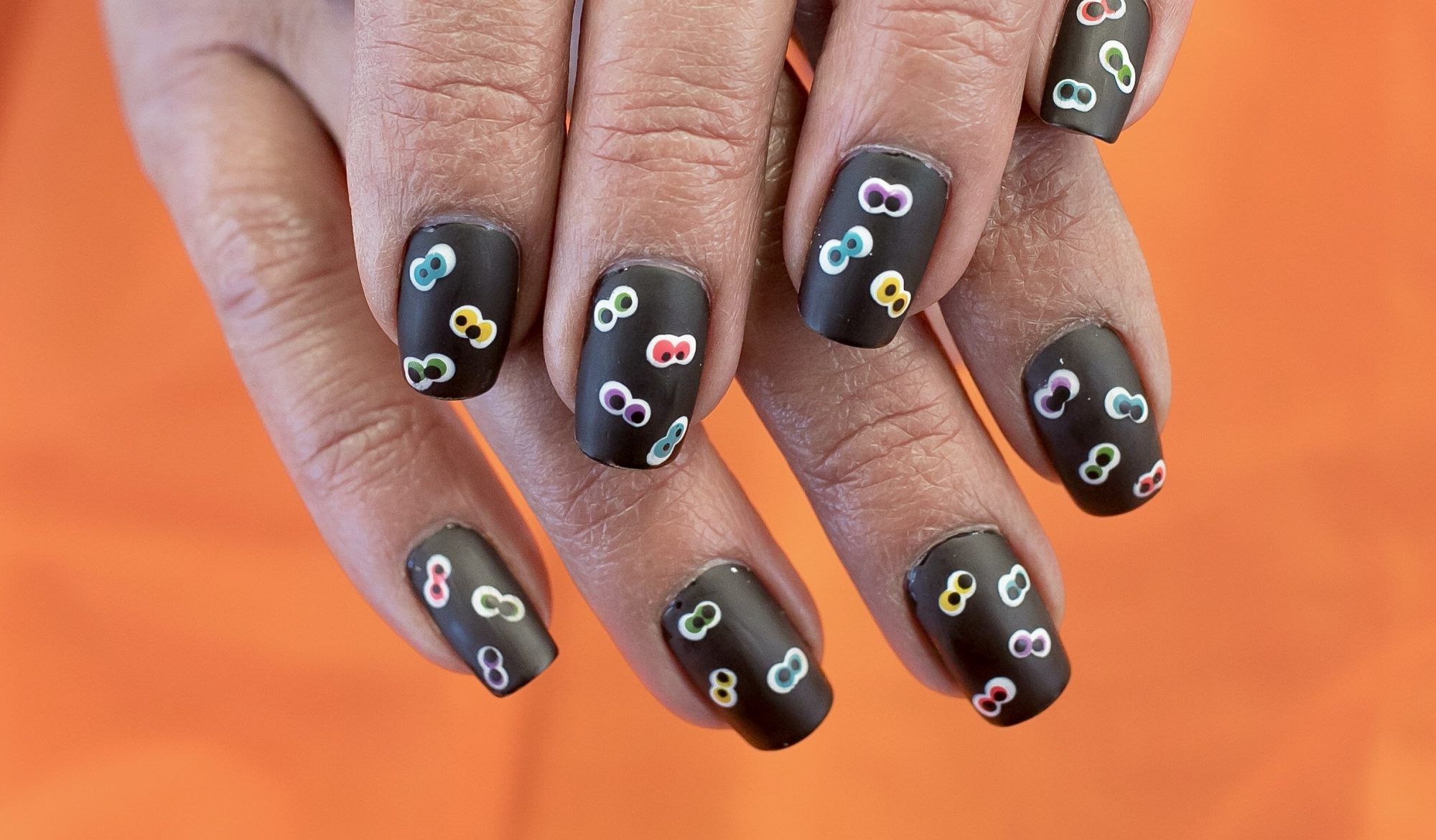 Diy Halloween Nail Art Ideas How To Paint Nails For Halloween Hellogiggles