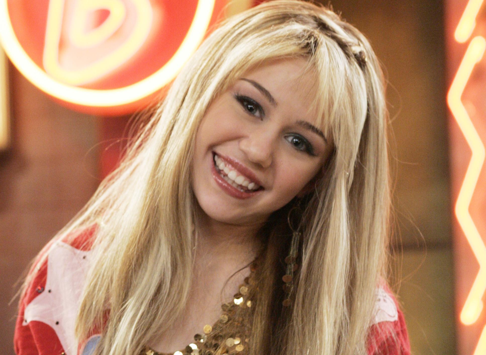 Twitter Is Practically in Tears Over Miley Cyrus's Heartfelt ...