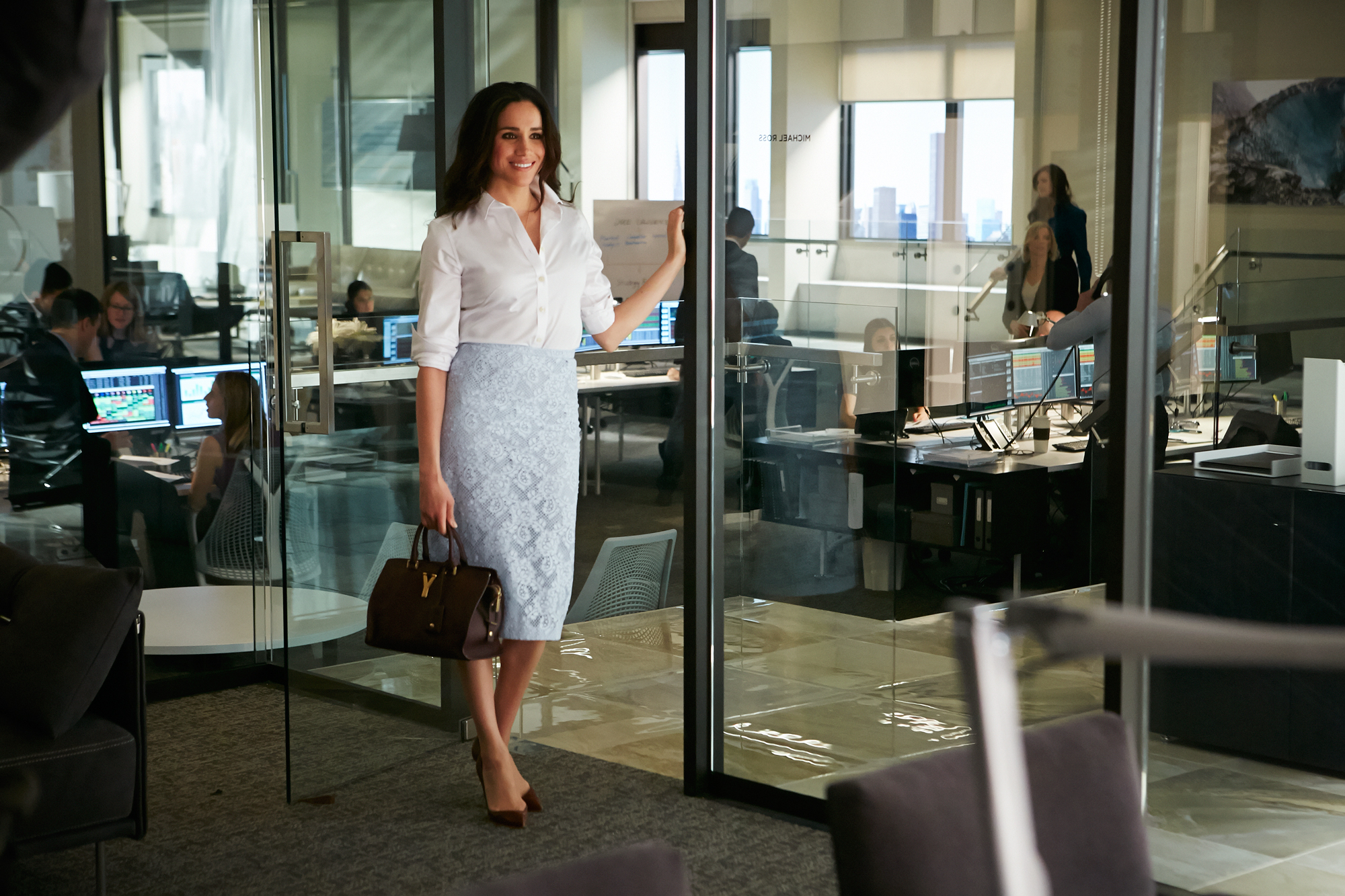suits star meghan markle talks work wardrobe instyle suits star meghan markle talks work wardrobe instyle