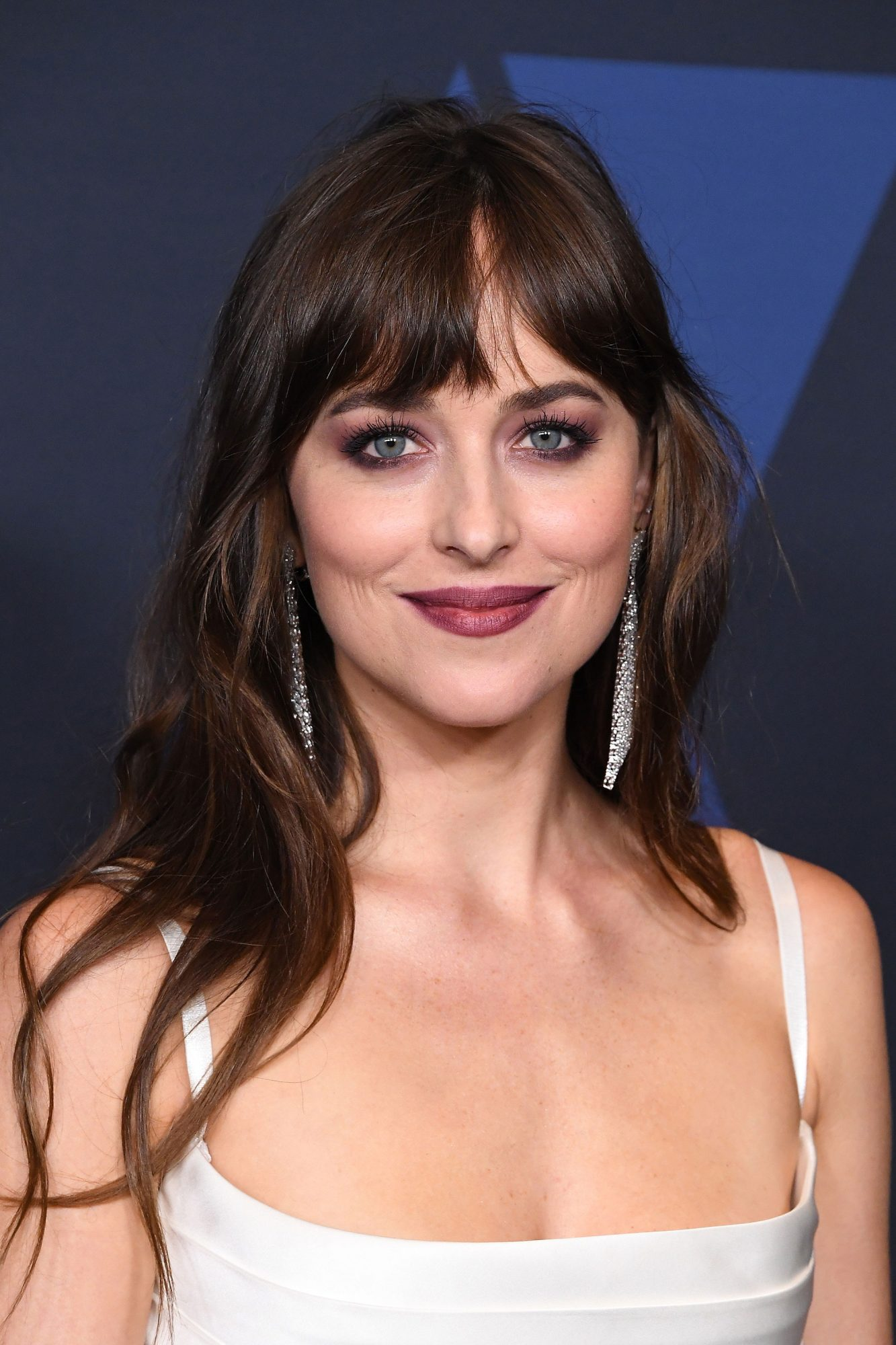 How to Grow Out Bangs - Hairstyles for Growing Out Bangs | InStyle