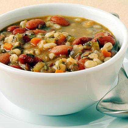 Supă de orz cu fasole