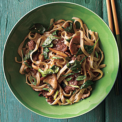 Stir Fried Rice Noodles With Beef And Spinach Recipe Myrecipes