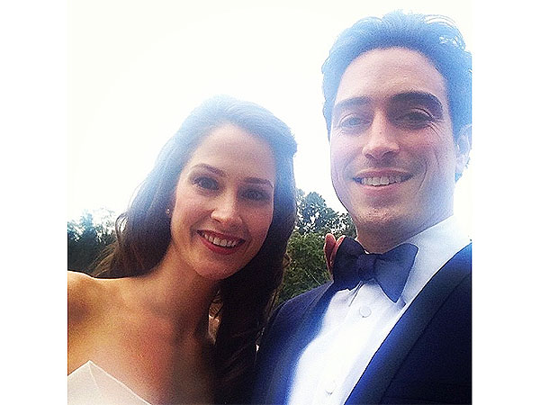 Ben Feldman Marries Michelle Mulitz People Com Ben feldman and his wife, designer and fellow actor michelle mulitz, are expecting their first child together. ben feldman marries michelle mulitz