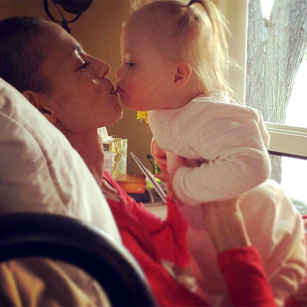 Joey Feek Dead Her Moving Moments With Friends And Family In Last Days People Com Joey and rory prepare for christmas with their little reindeer. people com