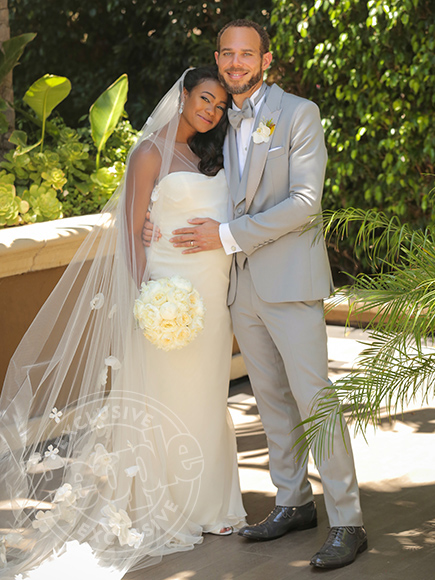 Tatyana Ali Marries Dr Vaughn Rasberry People Com Moreover, vaughn is a famous personality, celebrity husband, associate. tatyana ali marries dr vaughn rasberry people com