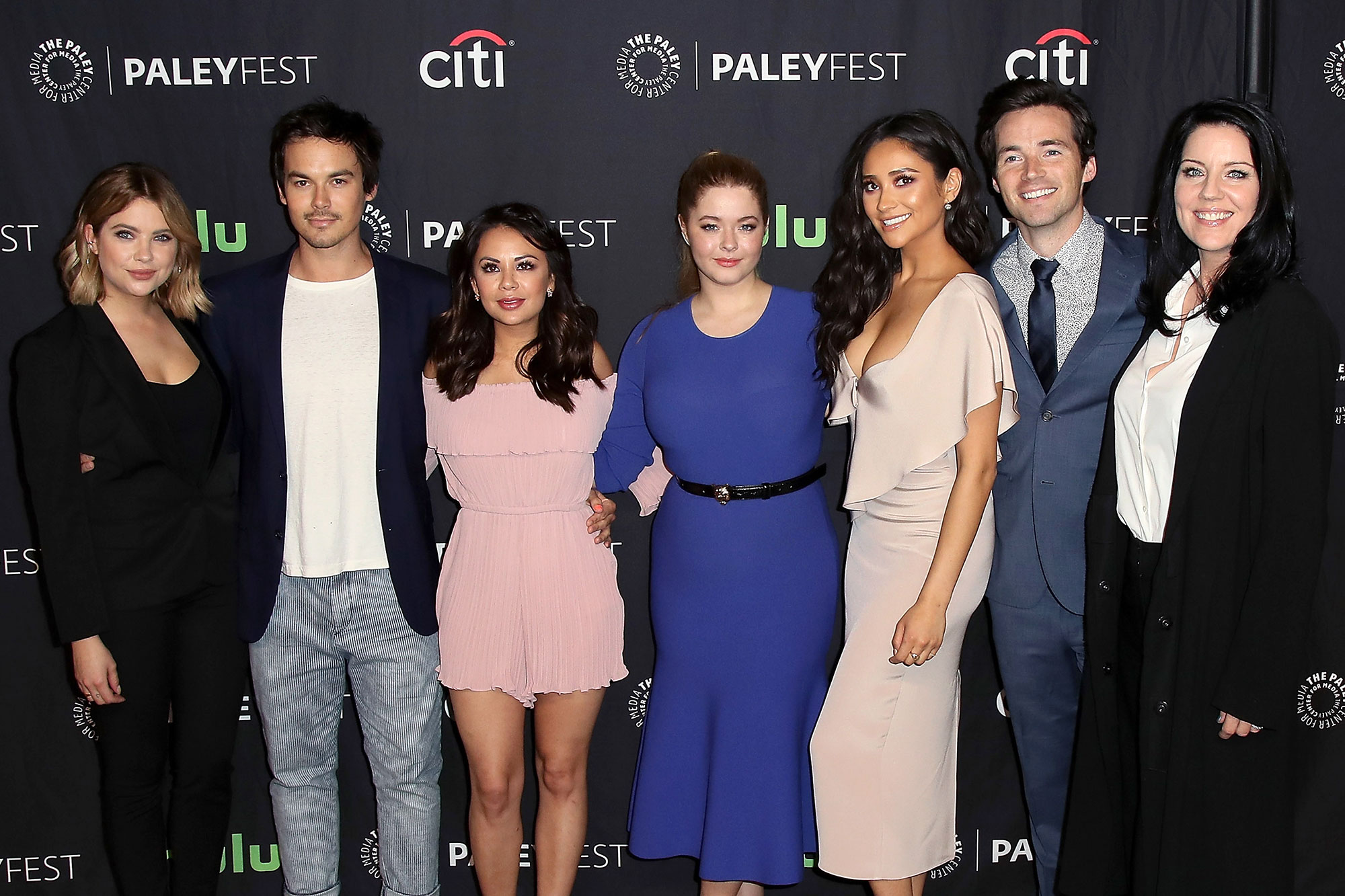 The PLL Cast Got New Bling to Celebrate Series Finale | PEOPLE.com