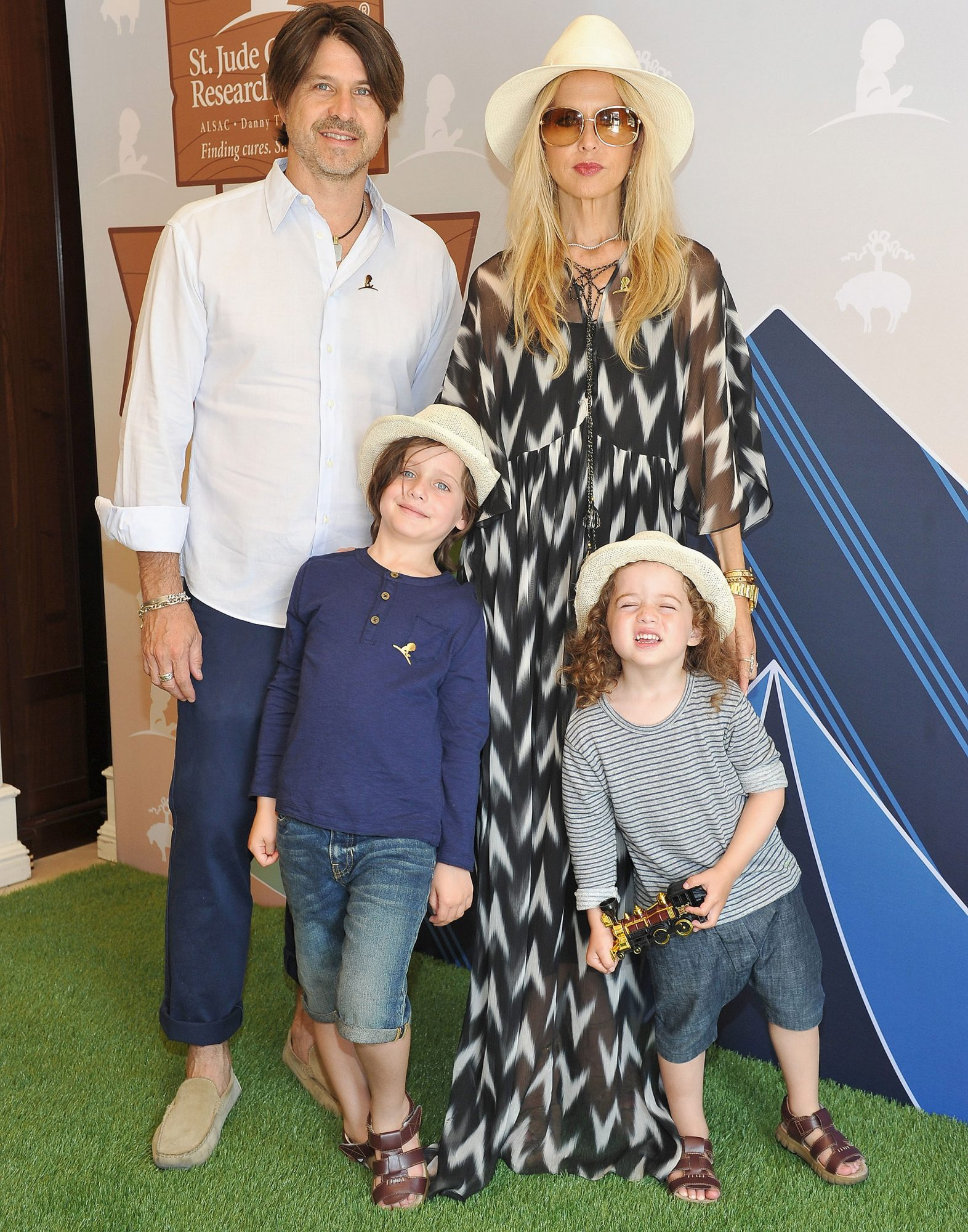 Rachel Zoe Reveals Her Family S Favorite Holiday Traditions People Com