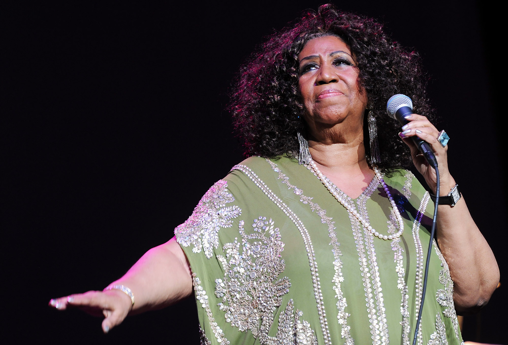 Queen of Soul's Top 10 Greatest Songs와 함께 Aretha Franklin을 기억하십시오