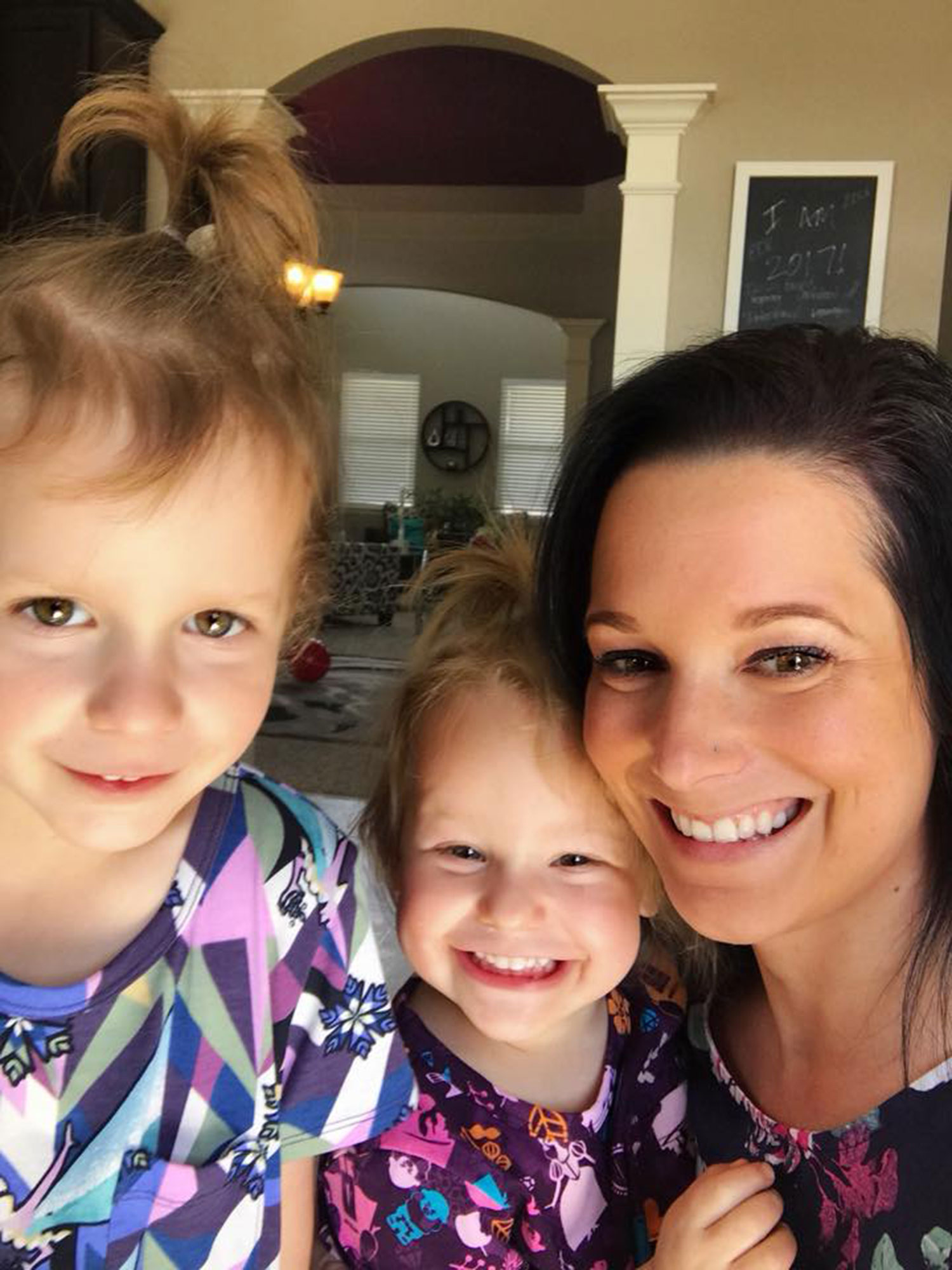 Shanann Watts Family Moved Her Personal Items People Com