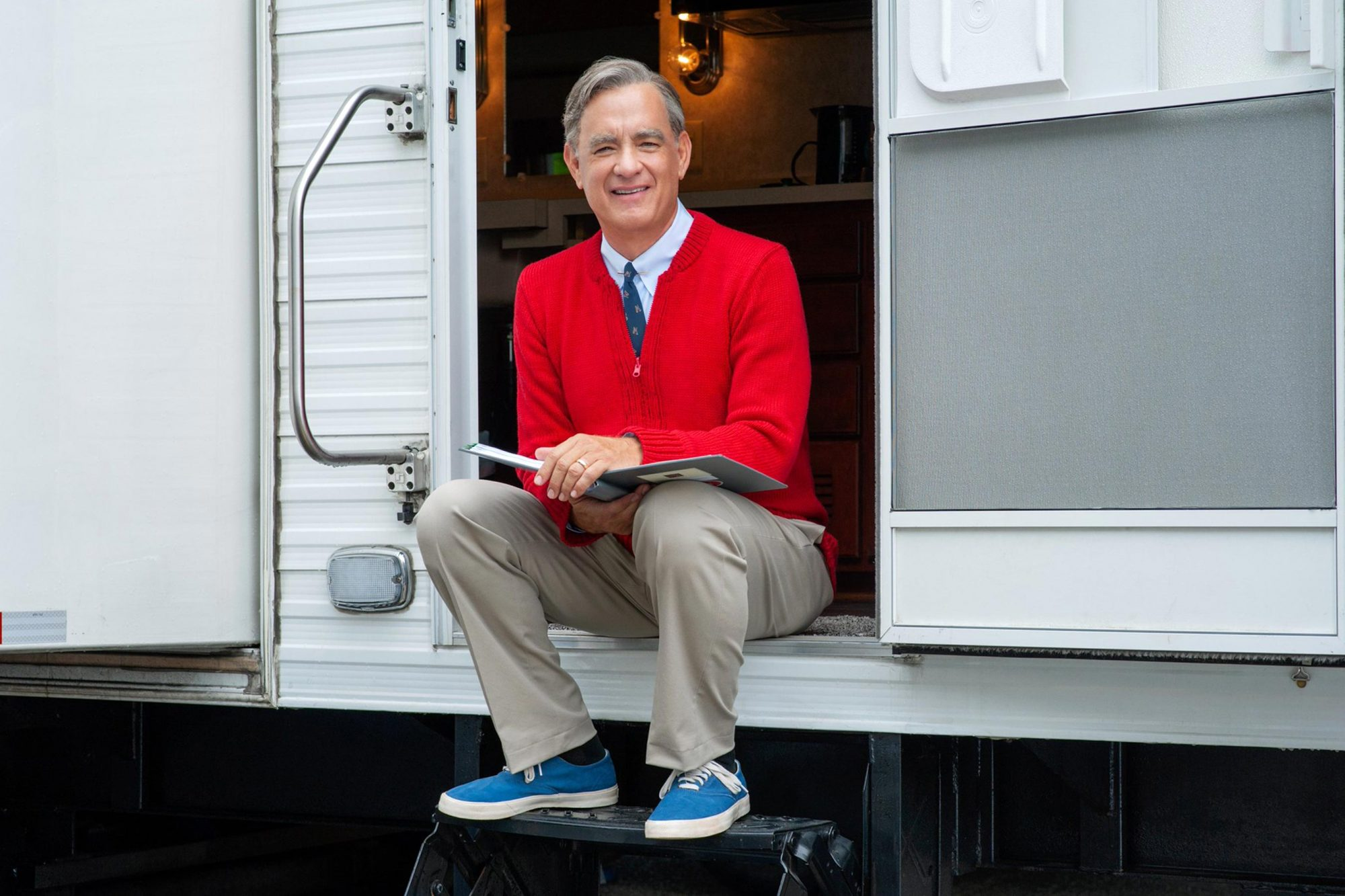 Tom Hanks Is Fred Rogers In First Look At Movie About Beloved Tv Icon People Com