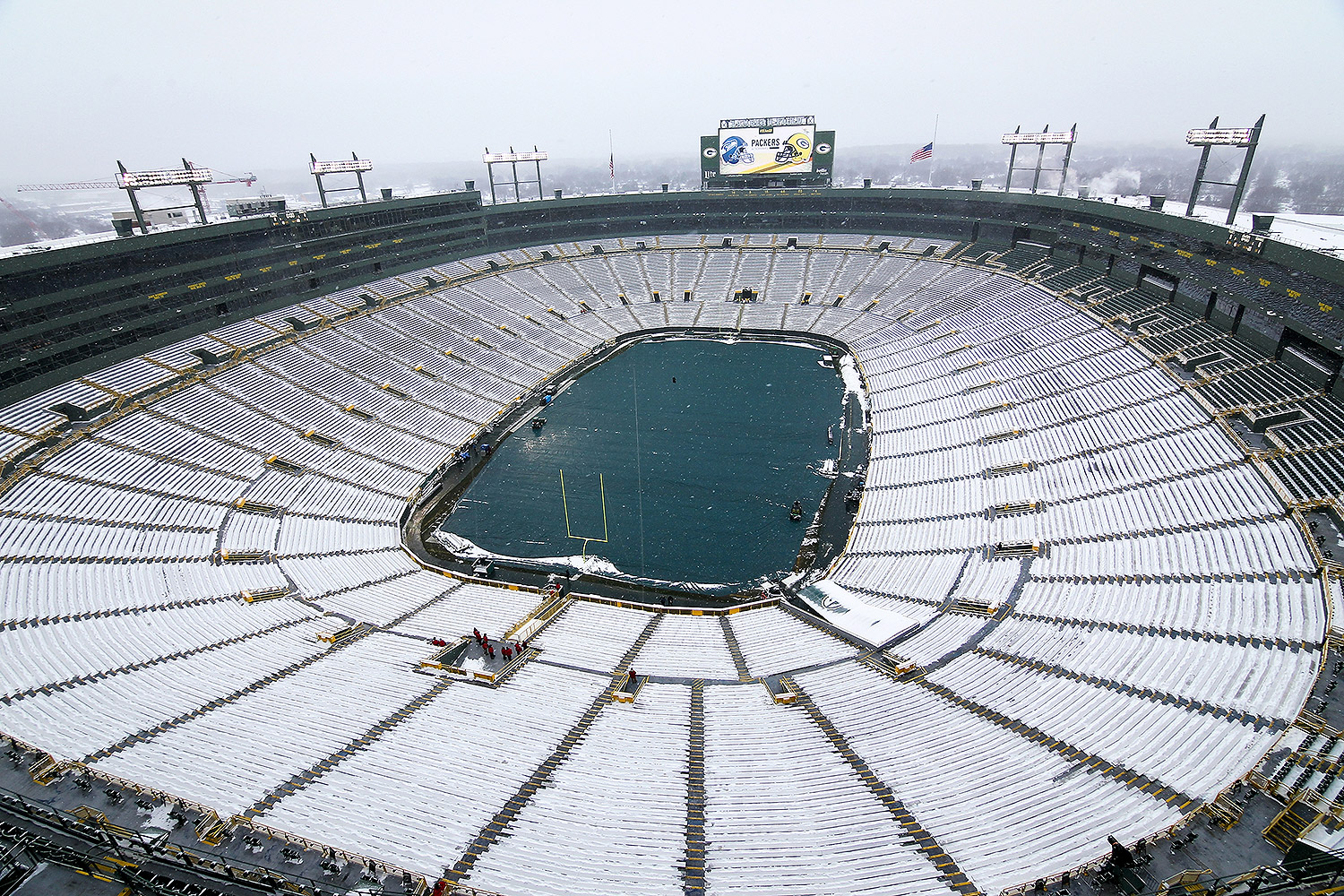 Green Bay Packers Need Volunteers To Shovel Snow From Stadium People Com