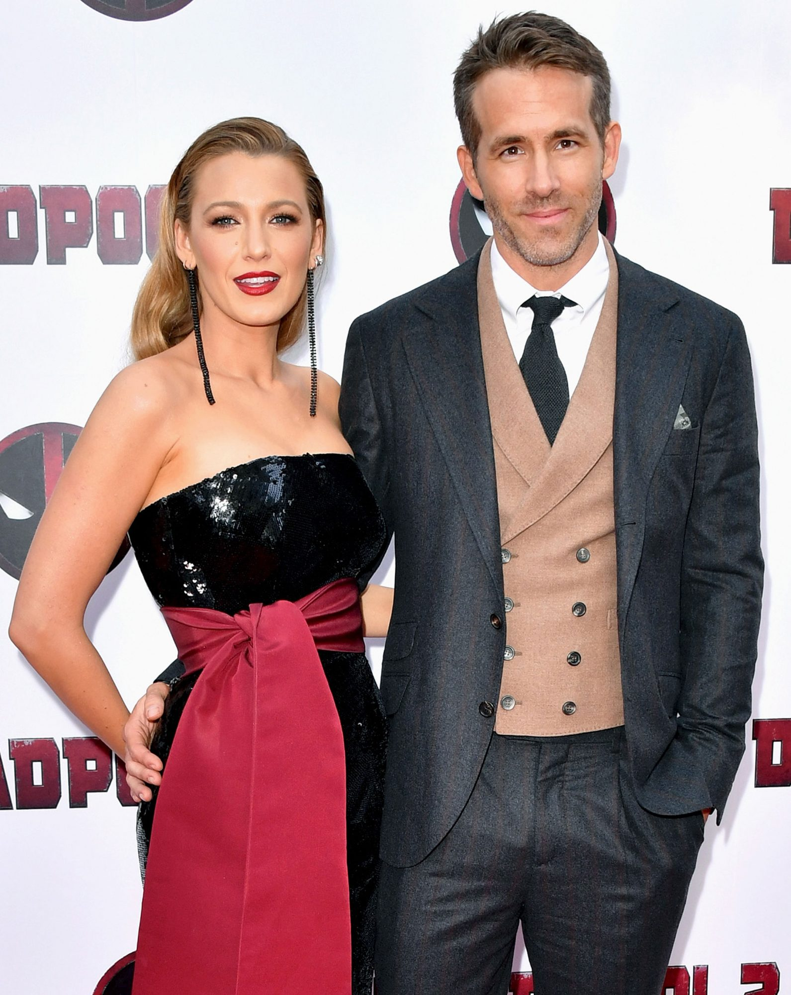 Blake Lively Says She S Swiping Right On Ryan Reynolds S Trainer People Com