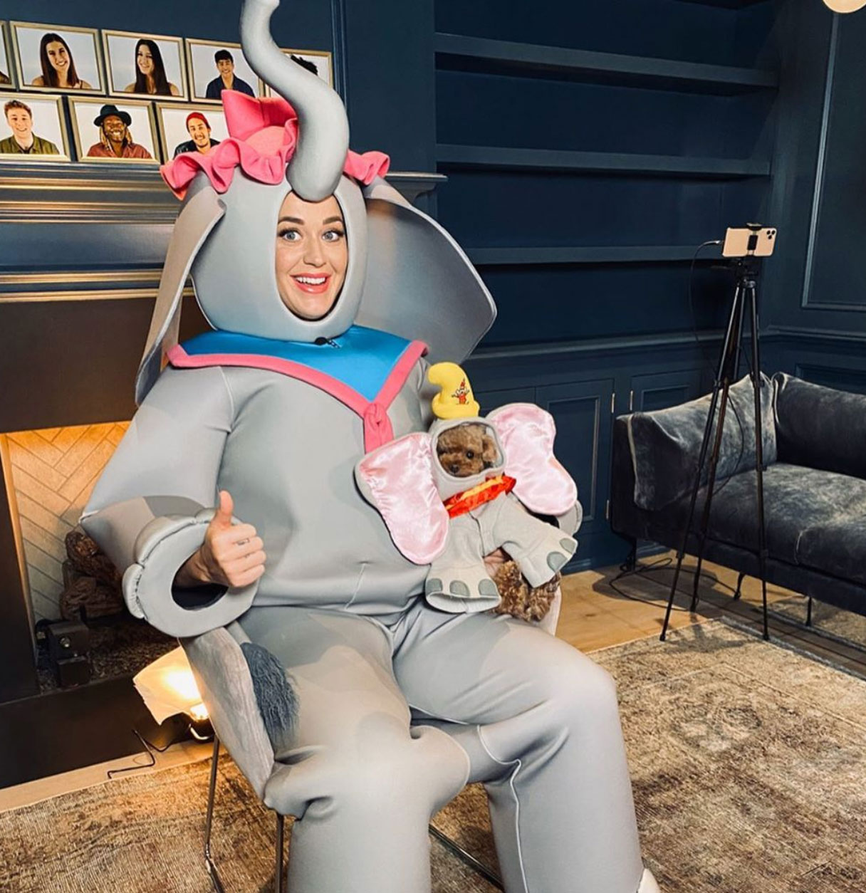 Katy Perry Halloween 2020 Pregnant Katy Perry Sings 'Baby Mine' During Disney's Family