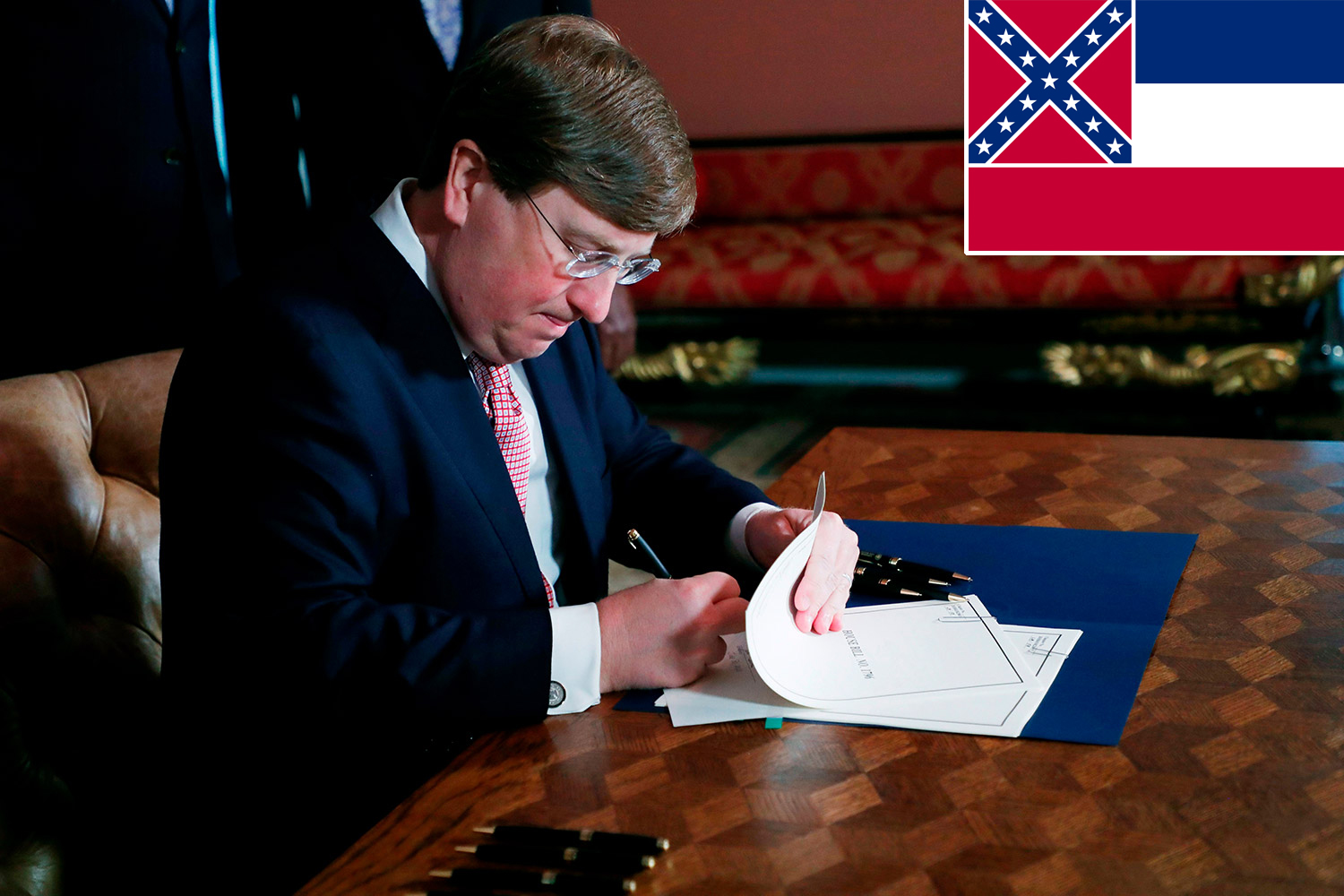 Mississippi Governor Signs Bill To Remove Confederate Battle Emblem From State Flag People Com,Bridal Wedding Reception Dresses