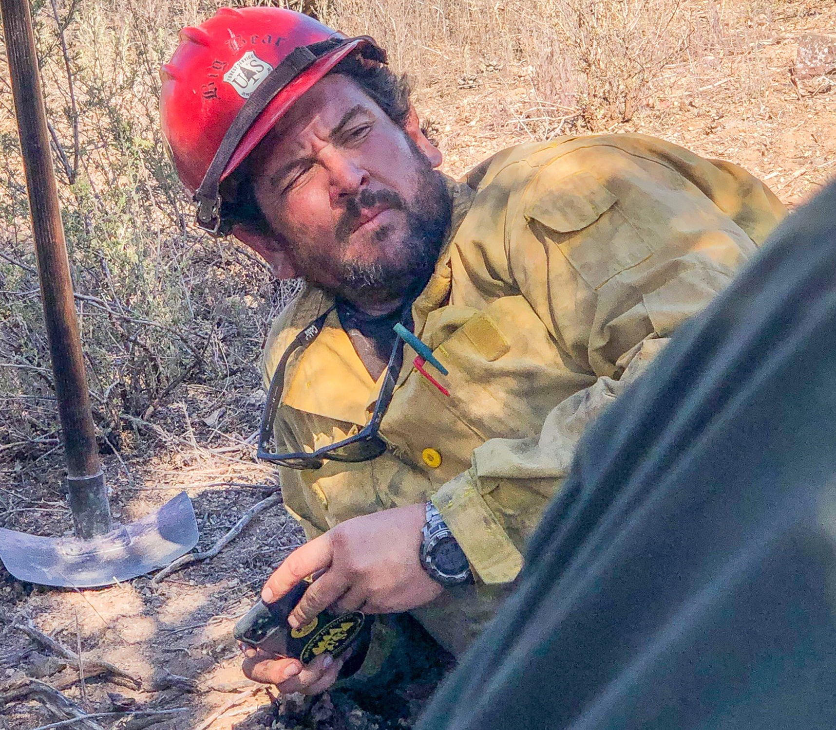 firefighter killed in wildfire identified as 39 year old husband dad people com firefighter killed in wildfire