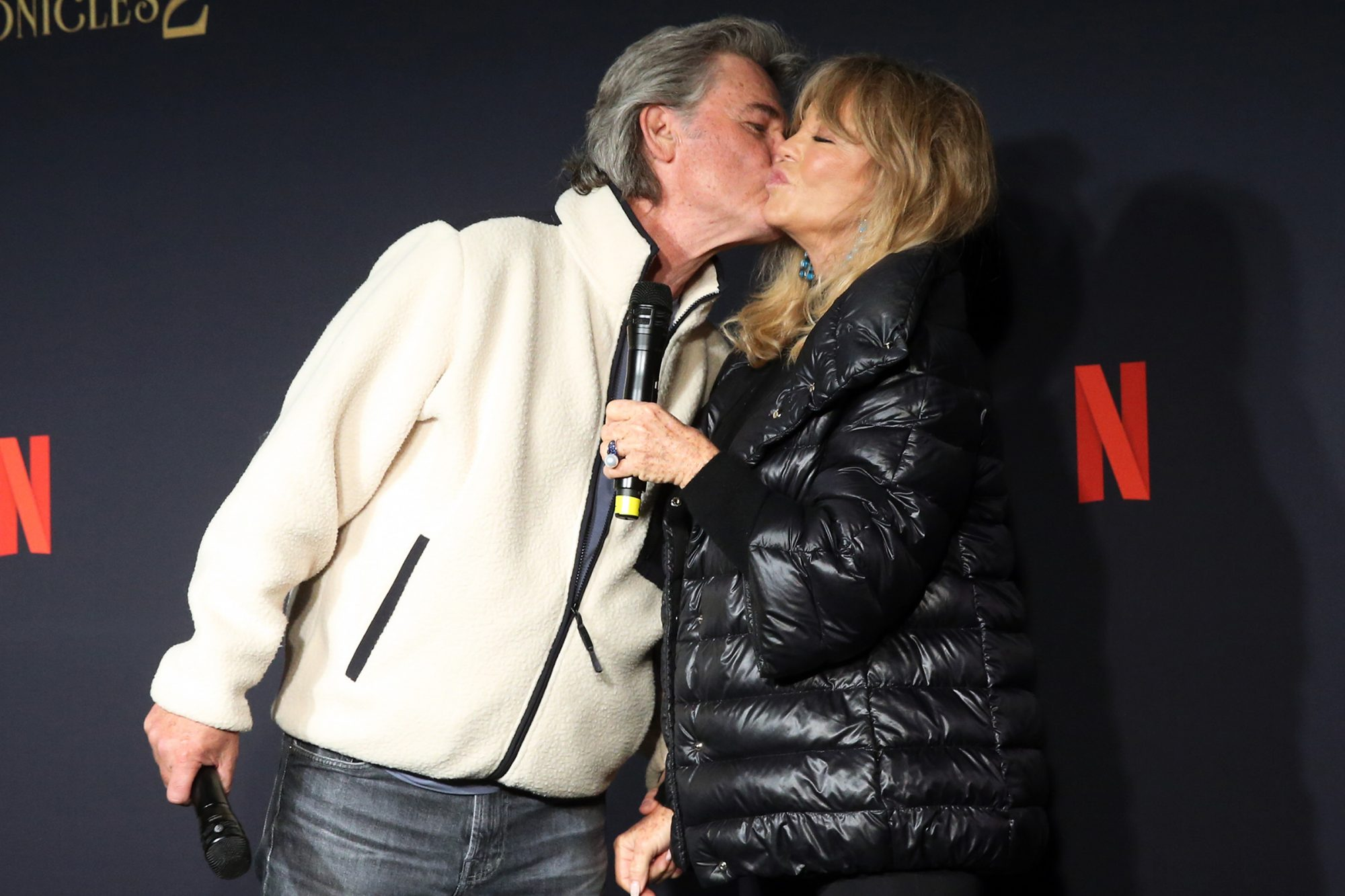 Kurt Russell Kisses Goldie Hawn At Premiere Ahead Of Her 75th Birthday People Com