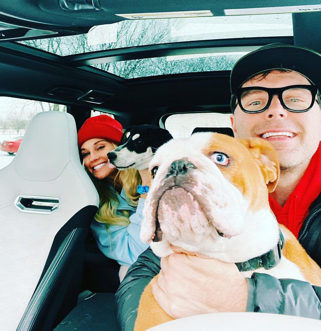 Bobby Bones Dogs Will Have A Spot In The Wedding Depending How Their Training Goes People Com