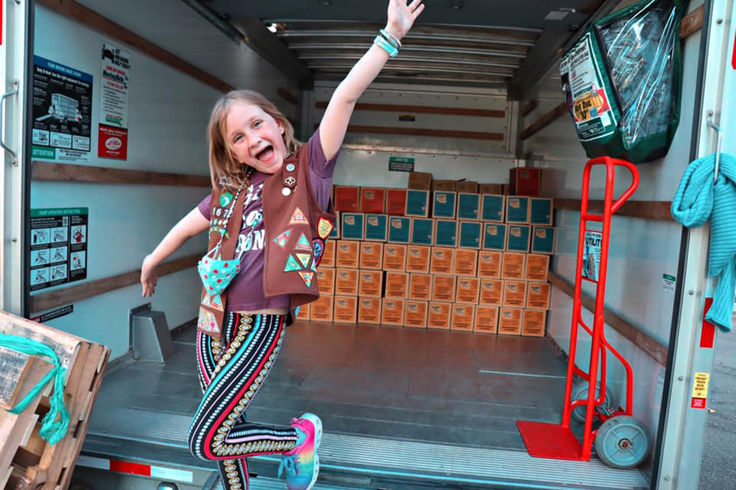 Cancer Survivor, 8, Breaks Girl Scout Cookie Record | PEOPLE.com