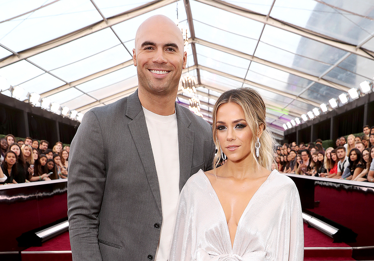 Jana Kramer tuitea 'Best of Luck' mientras circulan fotos del ex Mike Caussin con Mystery Woman