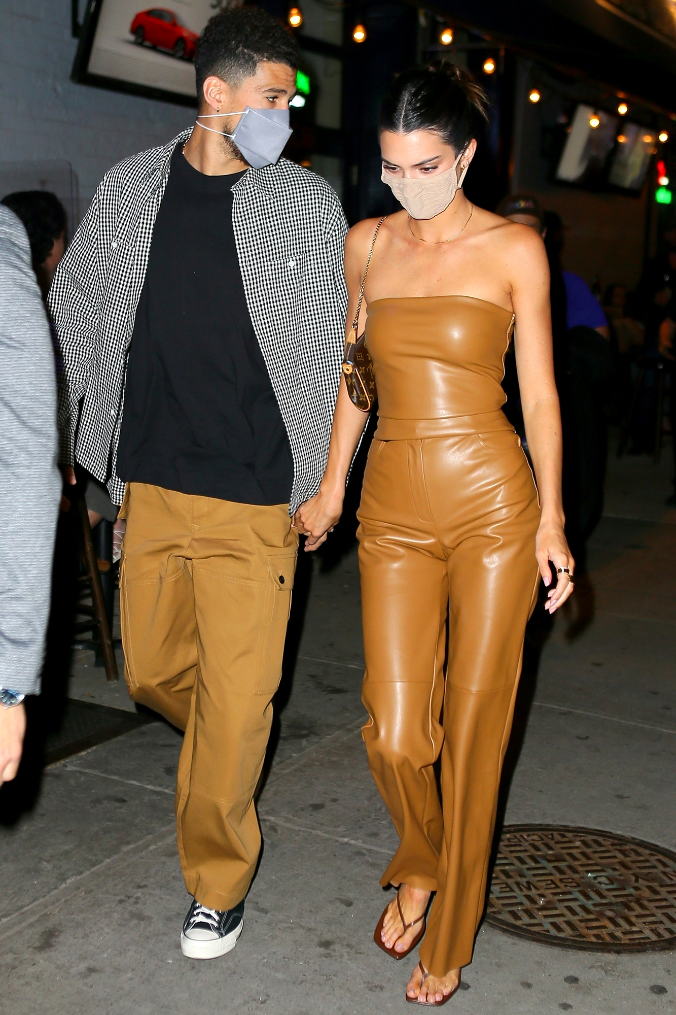 Kendall Jenner, Devin Booker Hold Hands on Date Night in NYC   PEOPLE.com