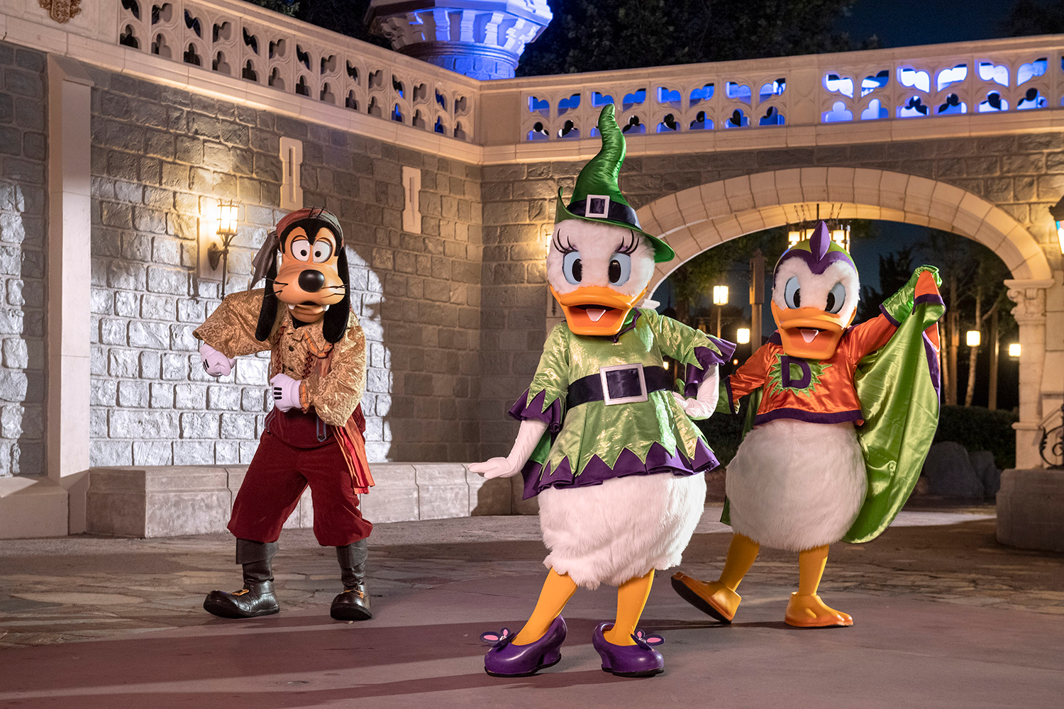 Disney Halloween Pictures.Here S What Halloween Celebrations Will Look Like At Disney This Year People Com