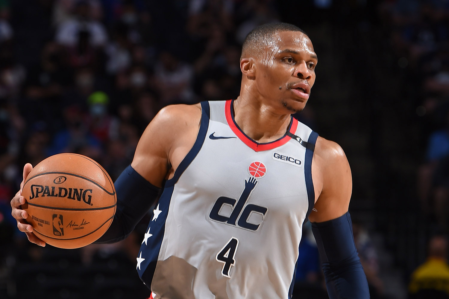 Fan Dumps Popcorn on Russell Westbrook During Wizards-Sixers Game    PEOPLE.com