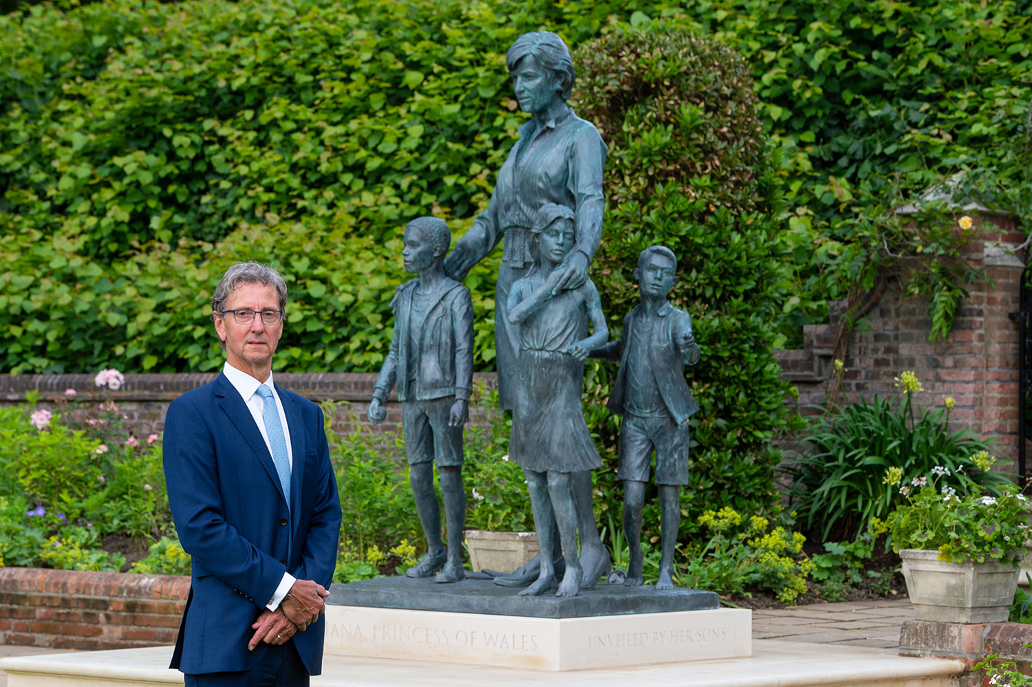 This is What Princess Diana's Sculpture at the Kensington Palace Signifies