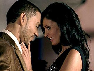 """Frankie J y Dayanara Torres durante la filmación de """"Mucho más""""."""