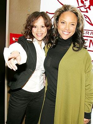 Rosie Pérez y Lynn Whitfield