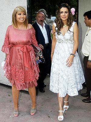 Luz Elena González, Karla Estrada