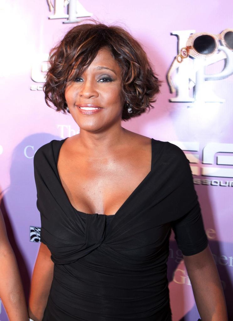 Whitney Houston en su última aparición en público el 9 de febrero