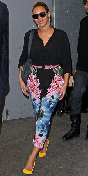 BEYONCÉ, Floral pants