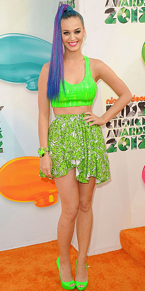 KATY PERRY, Cropped Tops, Tendencia