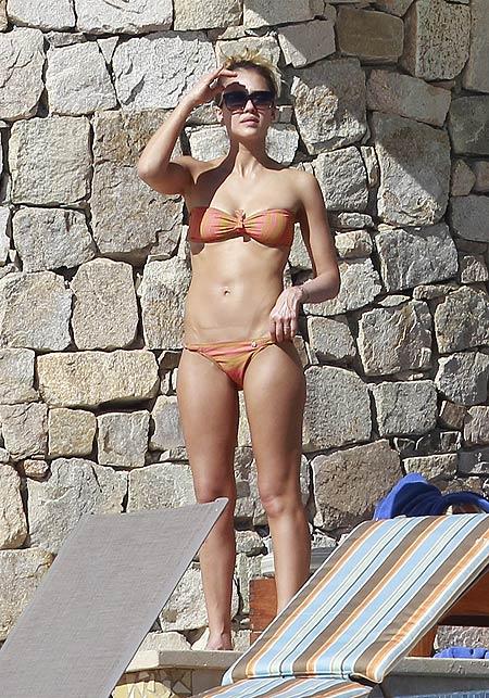 Jessica Alba, Los famosos escapan al frío