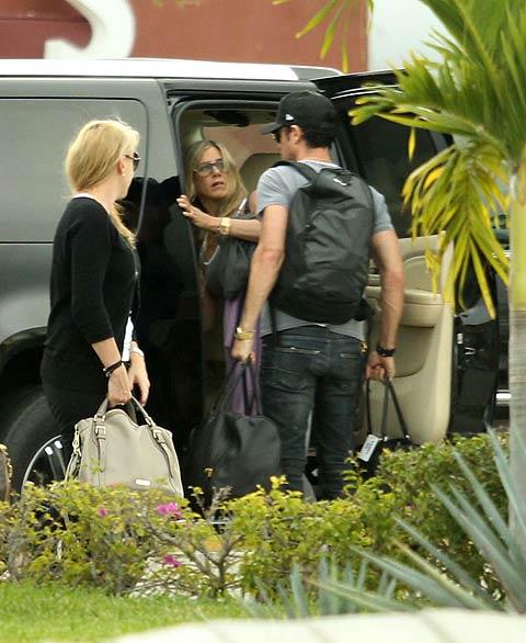 Jennifer Aniston, Justin Theroux, Míralos