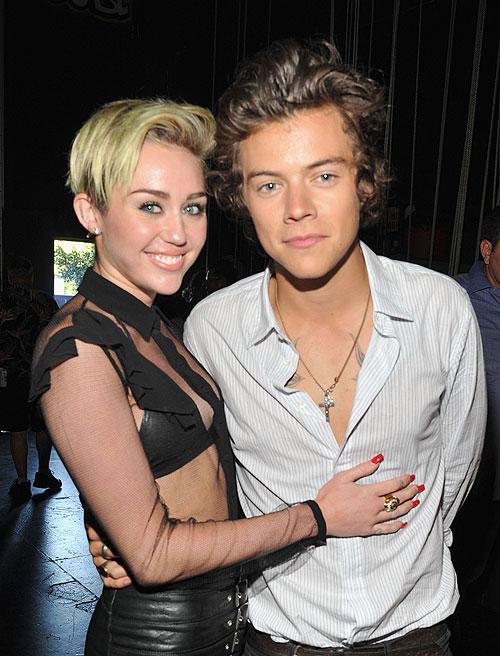 Miley Cyrus, Harry Styles, Míralos