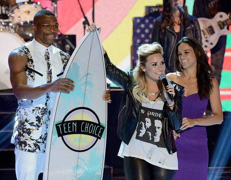 Demi Lovato, Russell Westbrook, Michelle Rodríguez, Míralos
