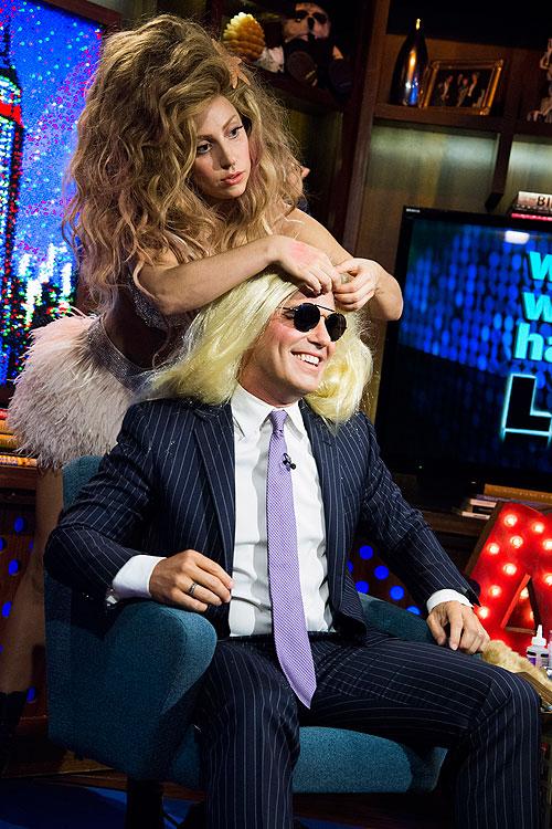 Lady Gaga, Andy Cohen, Míralos