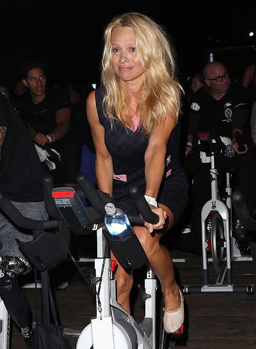 Pamela Anderson, Míralos