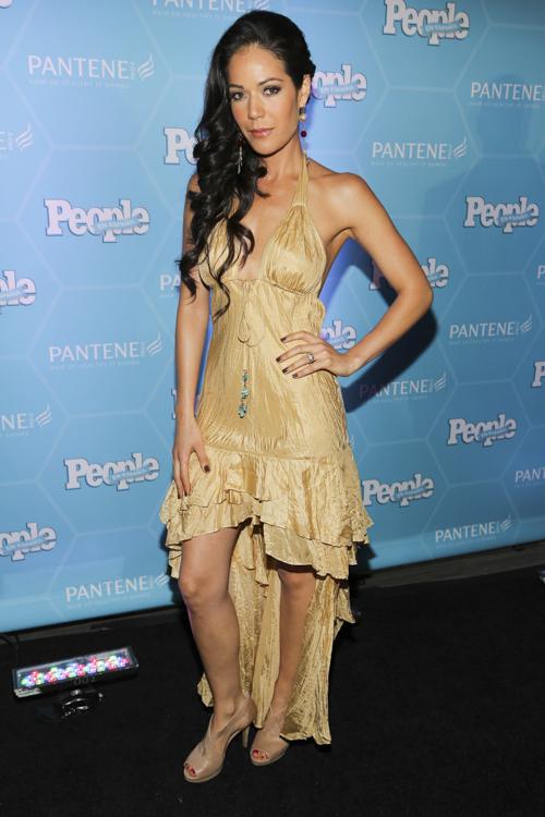 Michelle Manterola, alfombra Estrellas del Año 2013