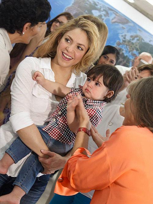 Shakira, Milan, Pies Descalzos