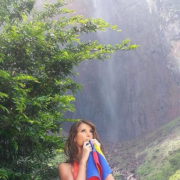 STEFANÍA FERNÁNDEZ, Venezuela