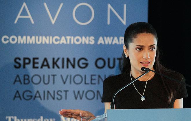 Salma Hayek, Mujeres solidarias