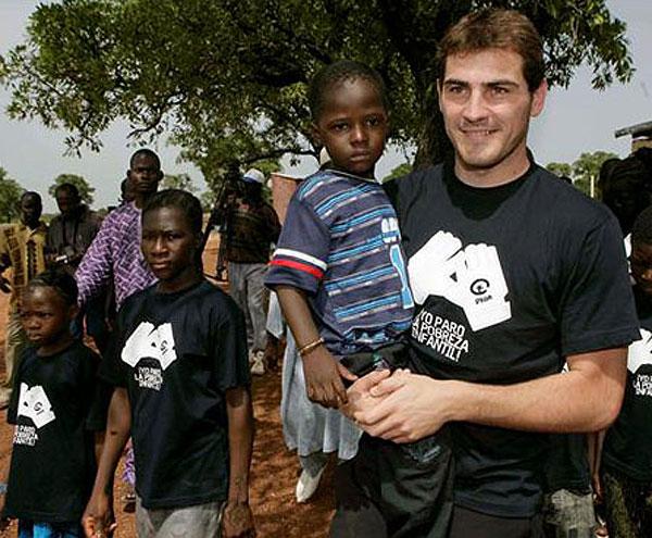 Iker Casillas, futbolistas solidarios
