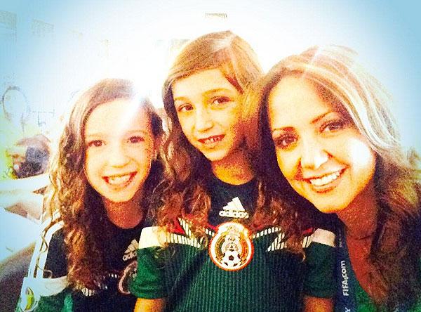 Andrea Legarreta, Famosos con el Mundial