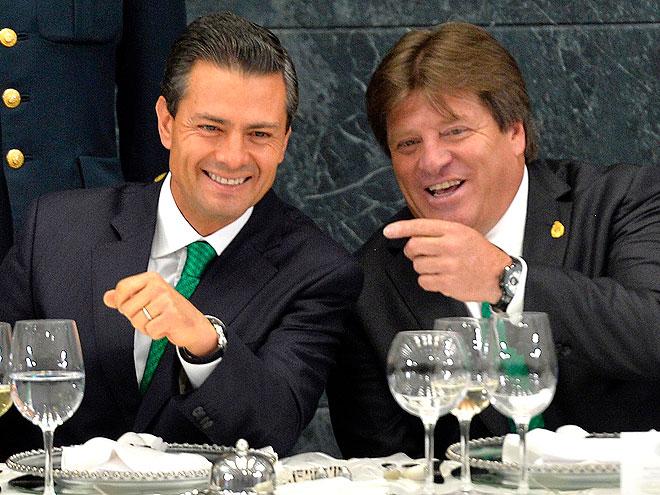 Miguel Piojo Herrera, Enrique Peña Nieto, Míralos
