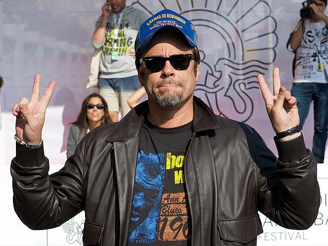 Benicio del Toro, Míralos