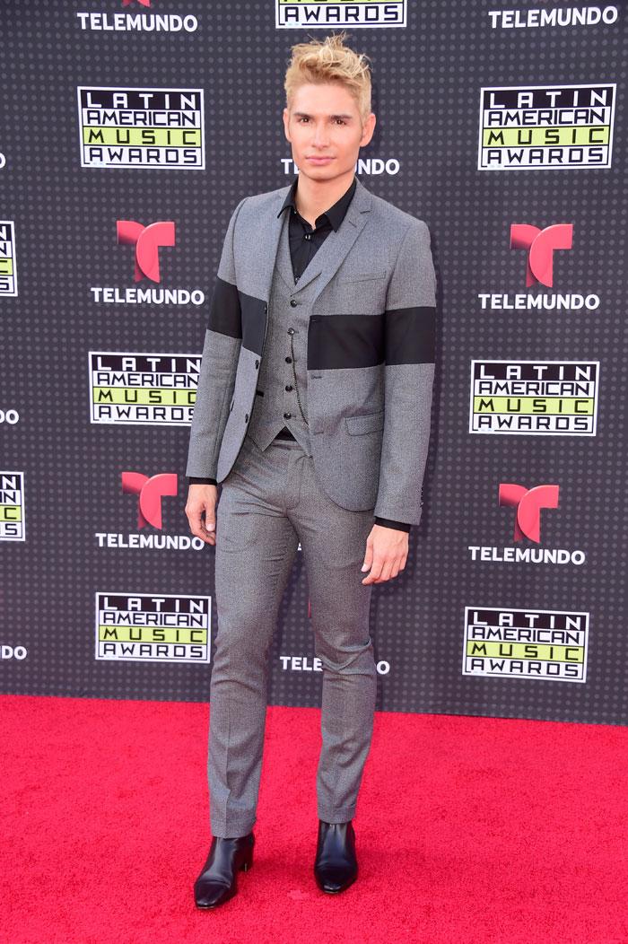 Latin American Music Awards 2015, Christian Acosta