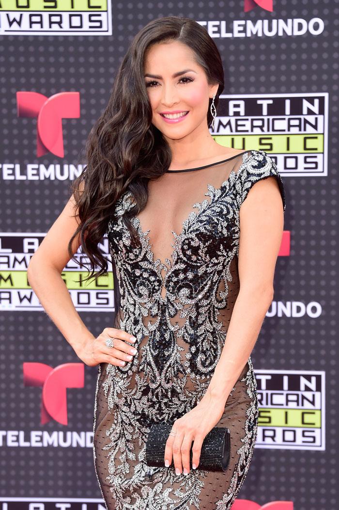 Latin American Music Awards 2015, Carmen Villalobos