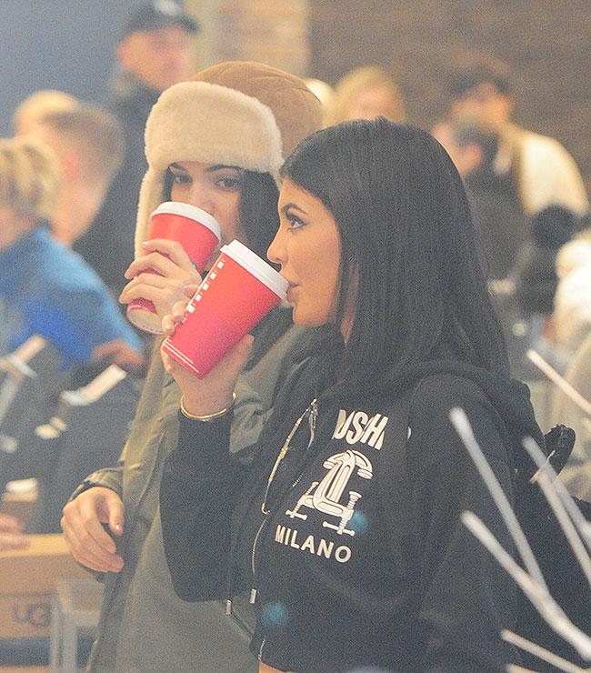 Kendall Jenner, Kylie Jenner, Míralos